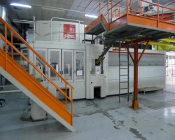 PET Stretching blowing machinesSidelSBO 18 series 2year2001