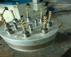 Multi spindle drilling headROMAI