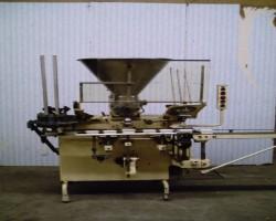 Cup filling machine BENHIL 8210 Fermavit