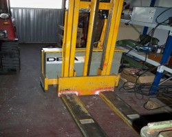 Electric forklift trucks KAISER KRAFT EGV 1025